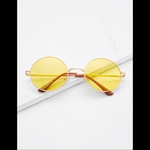 🌸🌸4FOR$20🌸🌸 Yellow Lens Retro Style Sunglasses